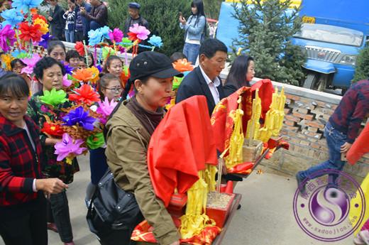 冯杰会长参加安塞区圣灵宫 戏台广场落成庆典仪式