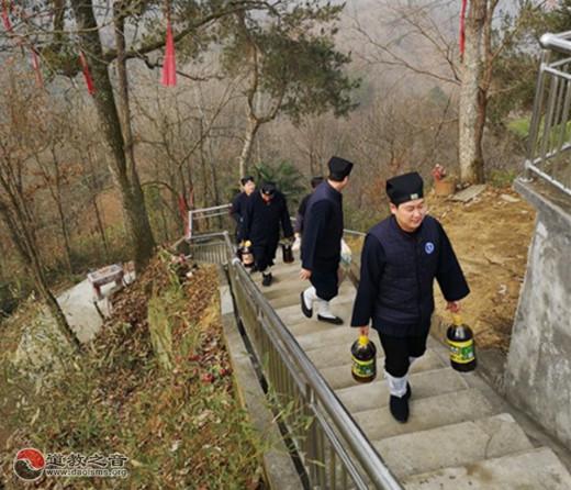 汉中西乡县道协春节前走访慰问辖区宫观